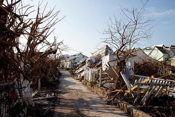 El desconsuelo y la incertidumbre marca a los supervivientes de Dorian en Bahamas