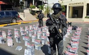 Decomisan 500 paquetes de presunta cocaína en vivienda de Los Cacicazgos.