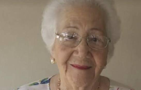 Dulce Esperanza viuda García.