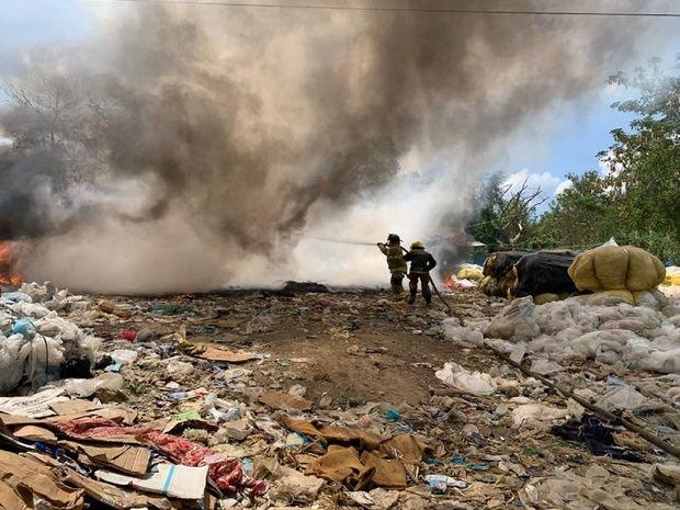 Obras Públicas afirma que el fuego en Duquesa está controlado en un 60 %