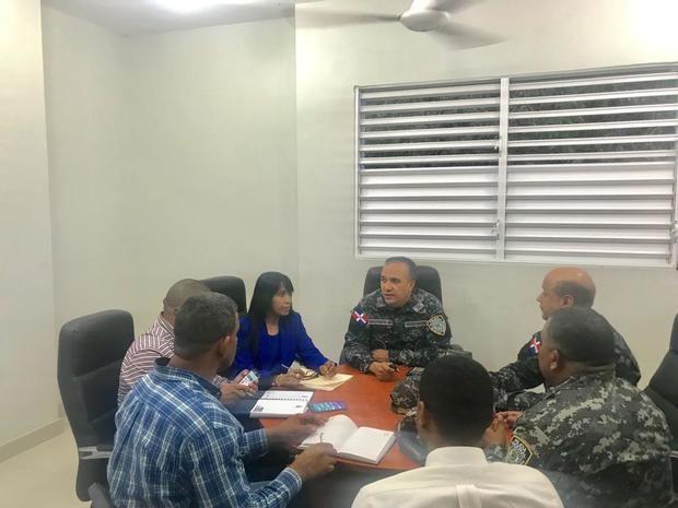 Policía realiza encuentro para el fortalecimiento de la seguridad ciudadana en Nueva Barquita.