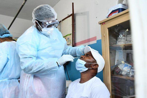 Abinader admite un aumento en los contagios de coronavirus