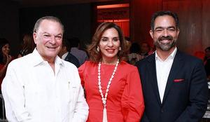 Sr. Frank Rainieri, Sra. Haydée Kuret de Raineiri y Sr. Rafael Selman.