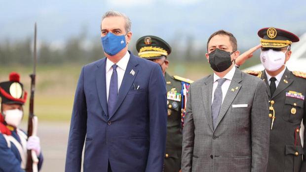 Abinader llega a Ecuador para toma de posesión del nuevo presidente de Ecuador
