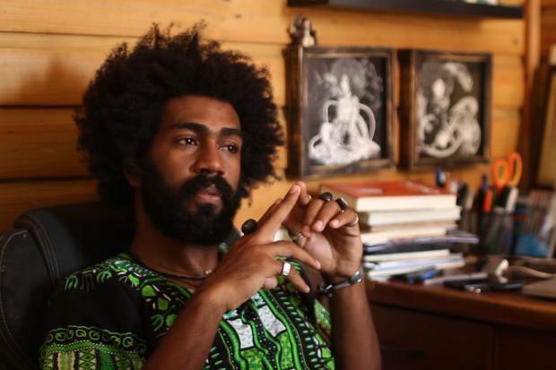 """El artista dominicano Eddaviel presenta su exposición """"Afro-inks"""" en Canadá"""