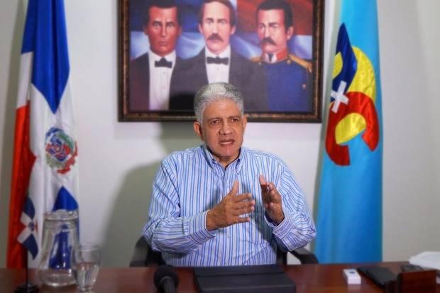 Eduardo Estrella afirma le han robado la paz al país
