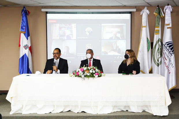 MAP y UNPHU inician maestría en Derecho Administrativo y Gestión Pública