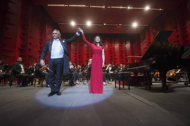 Pianista Jie Chen y maestro José Antonio Molina conquistan público en el Teatro Nacional