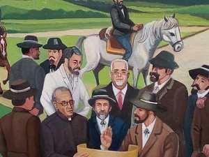 El alcalde Chacho Landestoy aparece en un mural de los fundadores de Bani