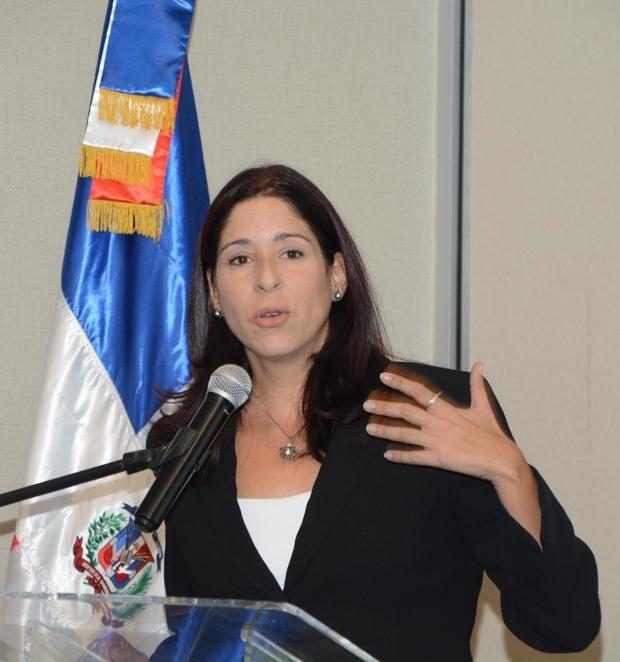 Elena Nàpoles.