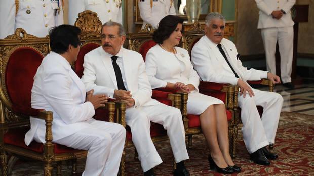 El presidente Danilo Medina recibió hoy las credenciales de cuatro nuevos embajadores acreditados en el país, en ceremonia oficial realizada en el salón de Embajadores del Palacio Nacional.