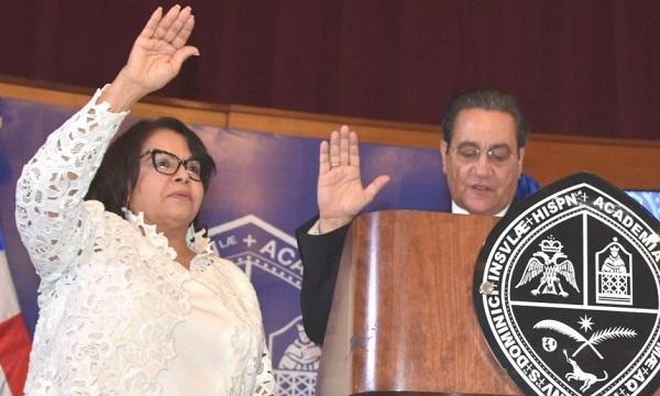 Emma Polanco, primera mujer que asume la rectoría de la UASD