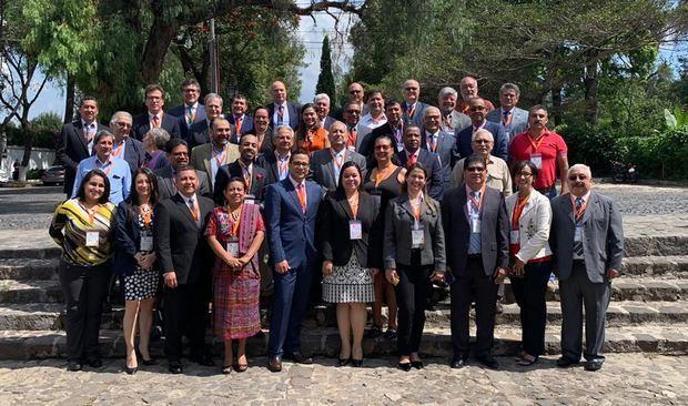 """El Consejo Económico y Social (CES) de la República Dominicana participa en el """"Encuentro de Consejos Económicos y Sociales de América Latina y el Caribe""""."""