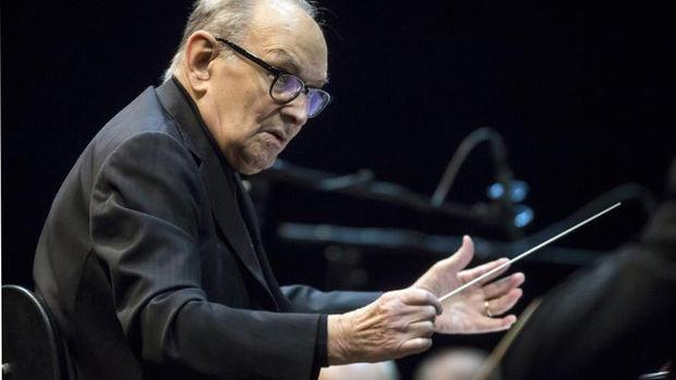 Ennio Morricone emociona con su música en su despedida de los escenarios