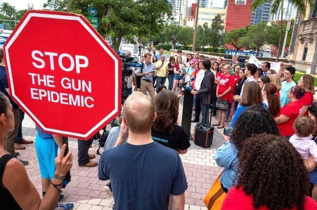 Políticos y grupos civiles rechazan en Miami la