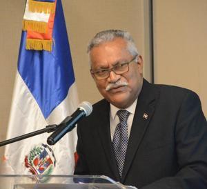 Ernesto Reyna.