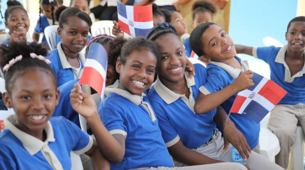 Danilo Medina entrega centro educativo en Los Frailes, Santo Domingo Este