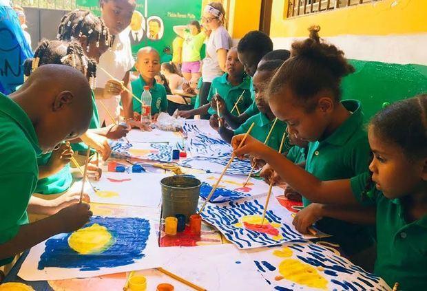 Del total de la población estudiantil, 2300 alumnos actualmente, la mayor concentración se encuentra en el Gran Santo Domingo.