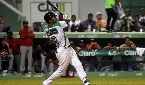 Estrellas, Tigres y Leones mantienen empate en la cima del béisbol dominicano