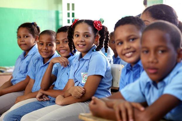 Educación garantiza seguridad completa para el inicio del año escolar.