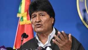 La salida de Evo Morales sume en el caos a Bolivia.