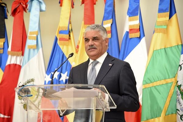Miguel Vargas viaja a EE. UU. para participar en reuniones de la OEA y ONU