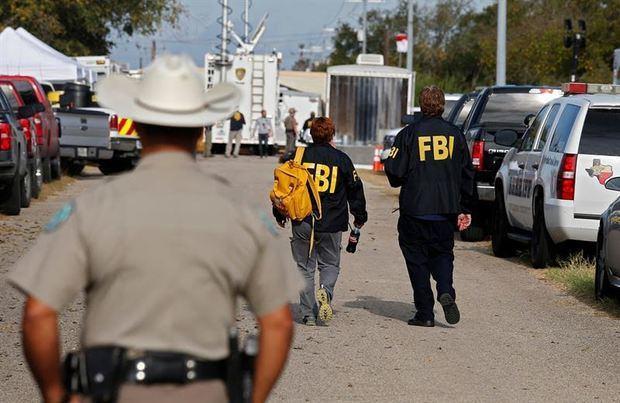 Cinco muertos, 21 heridos y el supuesto atacante abatido deja un nuevo tiroteo en Texas.