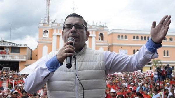 El FBI detiene a excandidato presidencial de Guatemala por lavado de dinero