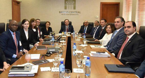 Banco Central se reúne con el FMI para tratar economía dominicana