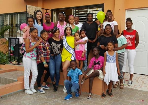 Miss Teen Mundial 2018 comparte con niñas de sector Herrera