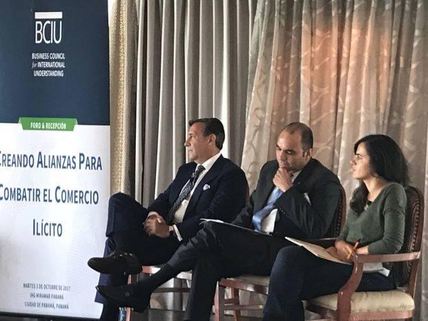 Enrique Ramírez destaca avances lucha contra ilícitos de comercio en la RD