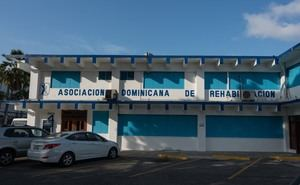 Fachada Sede Asociación Dominicana de Rehabilitación, ADR.