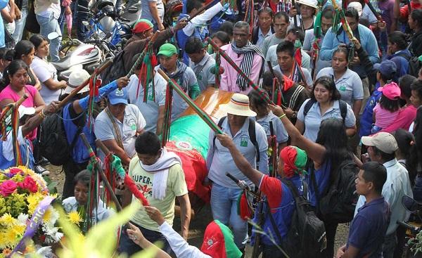 Familiares atribuyen al narcotráfico el asesinato de un líder indígena colombiano