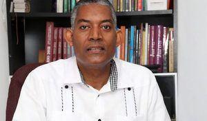 El pastor y presidente Consejo Dominicano de Unidad Evangélica, Codue, Feliciano Lacen