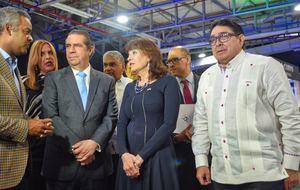 Joel López vice presidente de CHC, junto al ministro de Turismo y Miguel Calzada, durante la apertura de Feria CTN.
