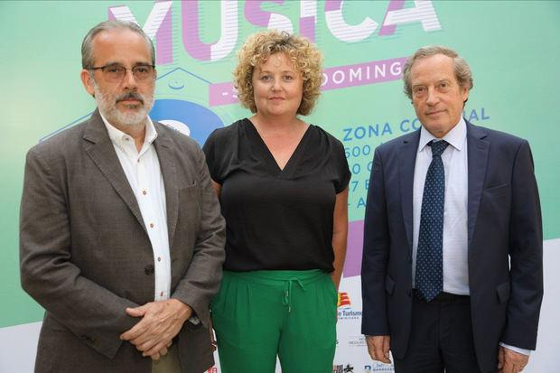Santiago Collado, Presidente Alianza Francesa, Christine Torelli (Directora Alianza Francesa), Didier Lopinot, Embajador de Francia.