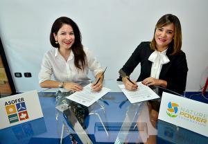 Firma de acuerdo Karina Chez (ASOFER) y Laura Rojas (NPF)