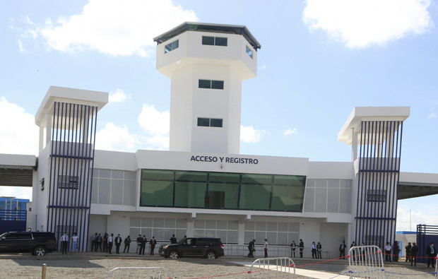 Danilo Medina entrega primera fase de La Nueva Victoria
