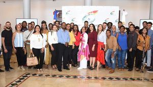 Los beneficiados del Fondo Nacional de Estímulo la Creación Cultural y Artística (FONECA), en un encuentro con el ministro de Cultura, arquitecto Eduardo Selman, donde se dieron a conocer los alcances del Fondo.