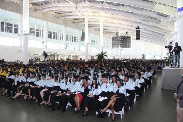 Vista parcial de los graduados.