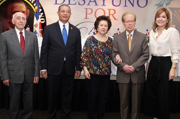 Duartianos reconocen a Fundación Corripio y Herrera Miniño en