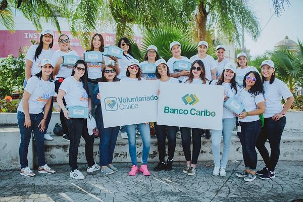 Banco Caribe apoya entidad Techo en construcción viviendas