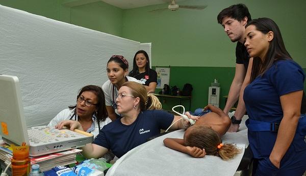 Ruta de Salud Cardiovascular de Heart Care Dominicana llega a Neiba