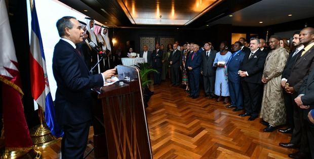 Recepción ofrecida por la Embajada Dominicana en Catar.