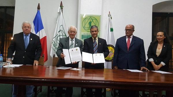 Academia de Ciencias y Academia Dominicana de Medicina firman acuerdo de colaboración