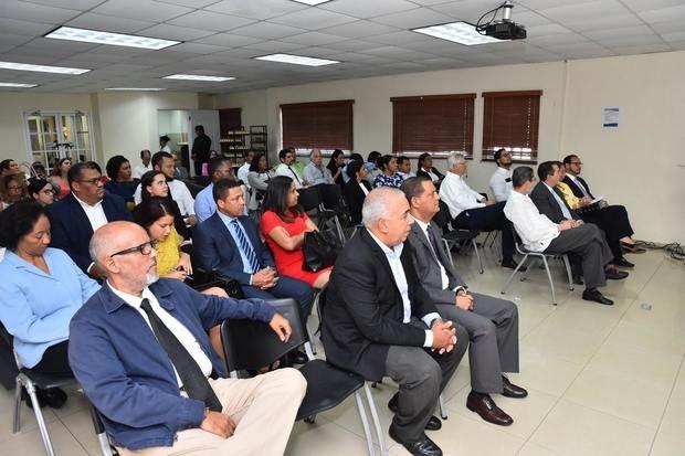 """Cámara de Comercio organiza conferencia """"Arbitraje y el Poder Judicial"""""""