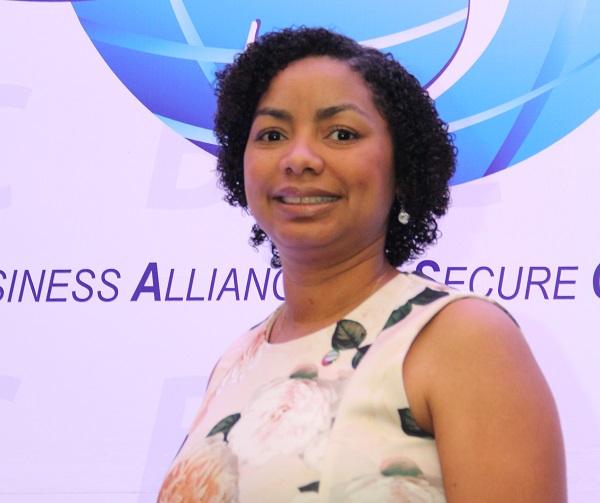 Foto July de la Cruz, presidenta de BASC Dominicana