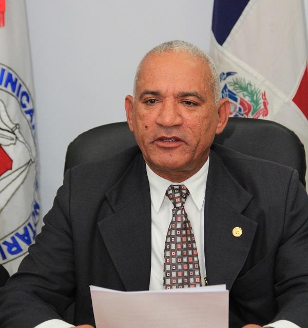 Reeligen con 64% a Rodríguez Montero en presidencia del Colegio de Notarios