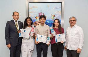 Marcos Peña, Jennifer Acevedo, José Hernandez, María Jiménez y José Cruz.