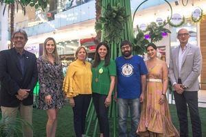 Paul Martinez, Ilonka Herrera, Alma Valverde, Silvia Rosales, Tomas García, María Conchita Alcalá y Gianni Dal Mas.